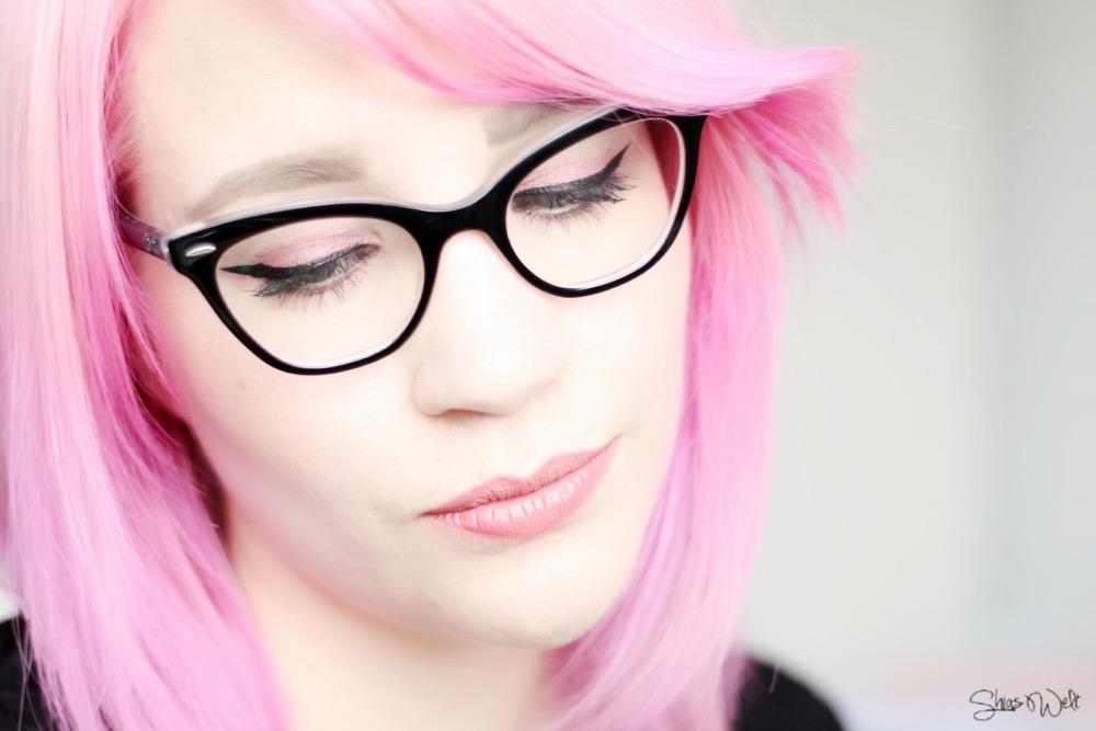 Indefectible Matt Lippen-Puder-Stifte Powder Lipsticks Caresse Blossom Caresse Swatches Review Test