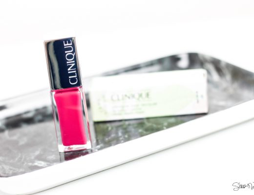 Clinique Pop Lacquer Lip Colour + Primer Go Go Pop Swatch Tragebild