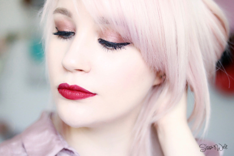 Urban Decay VICE LIQUID LIPSTICK Review Swatch Look Trap Queen
