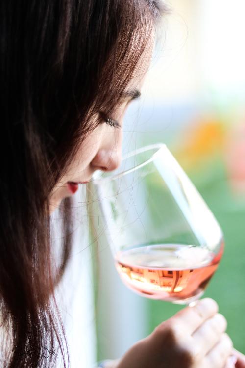 Rioja für Weingenießer - Mädelstalk auf der Fensterbank