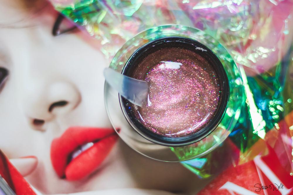 Get a Glow Job with Too Faced - Glow Job Glitter Peel Off Maske